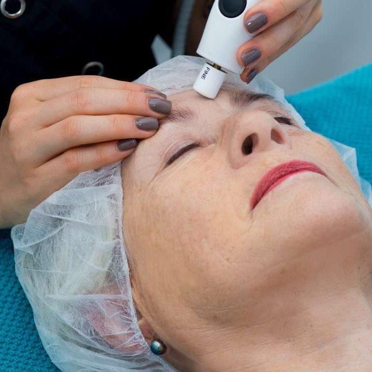 Face & Skin Care mit QMS MEDICOSMETICS!